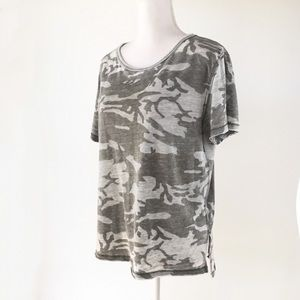 Free People gray camouflage t-shirt camo top XS